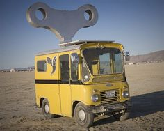 Image: Wind up car (© Scott London, http://www.scottlondon.com/burningman)