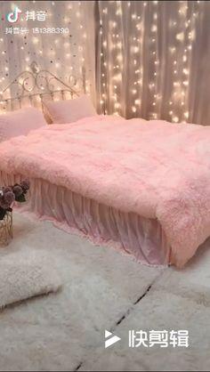 Pink Dorm Rooms, Pink Bedroom For Girls, Pink Room, Girl Bedrooms, Small Room Design Bedroom, Room Ideas Bedroom, Classy Bedroom Ideas, Pink Bedroom Decor, Stylish Bedroom