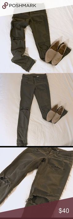 (HP) H&M Distressed skinny jeans Dark olive. Super skinny low waist jean. 25 waist, 30 length. Heavy denim material (98% cotton). No signs of wear. H&M Jeans Skinny
