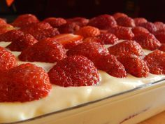 No Bake Desserts, Delicious Desserts, Dessert Recipes, Hungarian Recipes, Cakes And More, Cake Cookies, Cookie Recipes, Strawberry, Food And Drink