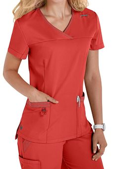 Urbane Ultimate Ultra Melissa crossover scrub tops feature a surplice V-neck, top-entry pockets and a drop tail hem. Doctor Scrubs, Medical Uniforms, Womens Scrubs, Medical Scrubs, Nursing Clothes, Scrub Tops, Crossover, Costume, Modern Hospital