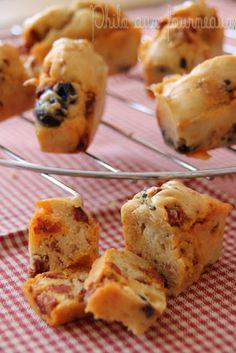 Mini-cakes aux olives, chorizo & tomates séchées Muffins Chorizo, Cake Chorizo, Mini Cake Sale, Mini Cakes, Fundraiser Food, Cake Aux Olives, Mini Croissants, Savory Snacks, Finger Foods