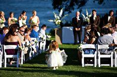 A magical wedding on the #Texas waterfront at Inn on Lake Granbury #destinationwedding | Honeymoons.com