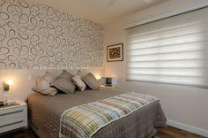 Mobiliário SCA e papel de parede texturizado