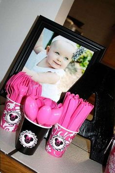 Minnie Mouse 1st Birthday Party in Hot Pink, Zebra, and a touch of Damask | CatchMyParty.com