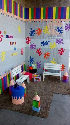 SUGESTÕES DE ORNAMENTAÇÃO PARA O TEMA: O MAIOR PINTOR DO MUNDO ESTÁ PINTANDO A NOSSA HISTÓRIA - Virtuosa Preschool Classroom, Classroom Decor, Kindergarten, Sunday School Decorations, Class Decoration, Diy And Crafts, Crafts For Kids, Paper Crafts, Art Birthday