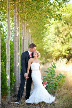 bride and groom barn wedding Salem Oregon