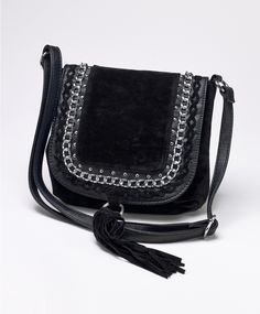 Shoulder bag with fringe and metal chain | Gina Tricot Accessories | www.ginatricot.com | #ginatricot