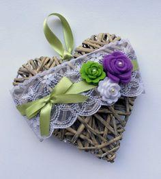 Regali alle maestre - Cuori di vimini @LumacaMatta Diy Flowers, Fabric Flowers, Paper Crafts, Diy Crafts, Heart Art, New Years Eve Party, Flower Making, Heart Shapes, Floral Arrangements