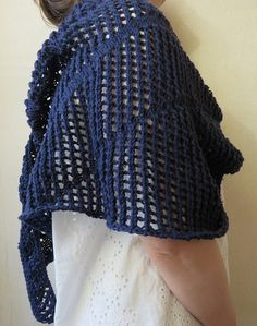 Knitted Shawls, Crochet Shawl, Bleu Marine, Wool, Knitting, How To Make, Inspiration, Ainsi, Fashion