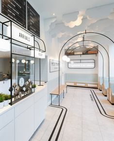 Seven ice cream shops sprinkled with delicious decor details Cafe Interior Design, Cafe Design, Küchen Design, Store Design, Graphic Design, Interior Design Internships, Ice Shop, Bubble Tea Shop, Gelato Shop