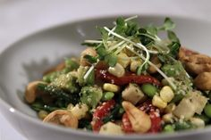 Dear SOS: I'm a regular at BLD on Beverly Boulevard and absolutely love its fresh vegetable salad -- so simple yet all the ingredients blend perfectly! Would love the recipe, especially for the...