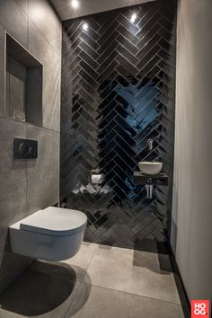 Modern bathroom design 313140980342397463 - 40 Modern Bathroom Tile Designs and Trends — RenoGuide – Australian Renovation Ideas and Inspiration Source by bonniefraise Modern Bathroom Tile, Bathroom Tile Designs, Bathroom Wall Decor, Bathroom Layout, Bathroom Interior Design, Small Bathroom, Bathroom Ideas, Bathroom Organization, Minimal Bathroom