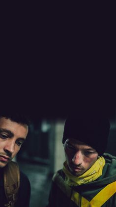 twenty one pilots 💛 Lo amo. Tyler Joseph, Tyler E Josh, Josh Dun, Emo Bands, Music Bands, Twenty One Pilots Wallpaper, Staying Alive, The Twenties, The Dreamers