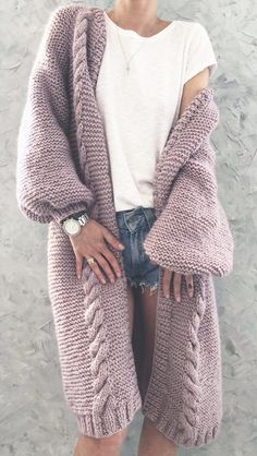 Gorgeous crochet blanket cardigan you can make with this free crochet pattern. This crochet cardigan is the perfect crochet top for any outfit this se Cardigan Au Crochet, Long Knit Cardigan, Loose Sweater, Sweater Jacket, Crochet Cardigan Pattern Free Women, Knitted Coat Pattern, Knit Cardigan Pattern, Oversized Cardigan, Jumper Dress