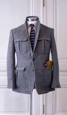 NEW TAILOR is an Amsterdam and Utrecht based bespoke tailoring company. One of the finest in the field.