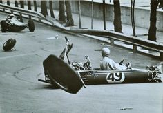 Monaco '66 crash, how bizarre