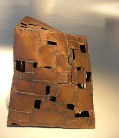 Fatima Talbaui - Sculpture - Chacun son habitat Les Oeuvres, Habitats, Sculpture, Art, Art Background, Sculpting, Kunst, Sculptures, Performing Arts