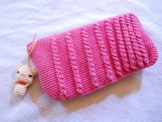 Crochet Popping Cables Pouch Free Crochet Pattern