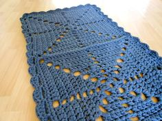 A grey rectangle crochet rug: see blog post for more photos.