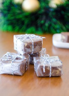 receita de fudge de chocolate e nozes fácil Good Food, Yummy Food, Love Eat, Brownies, Ale, Food And Drink, Sweets, Candy, Snacks