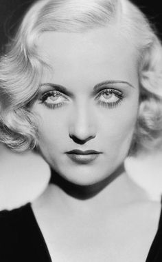 Vintage Hairstyles Carole Lombard, Mom always told me that having an 'e' on the end of my name was an alright thing. After all, Carole Lombard had an 'e', too! Carole Lombard, Old Hollywood Glamour, Golden Age Of Hollywood, Old Hollywood Makeup, Old Hollywood Stars, Vintage Hollywood, Stars D'hollywood, Foto Portrait, Actrices Hollywood