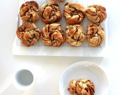 Kanelsnurrer (Danish recipe for cinnamon swirls) Cinnamon Recipes, Cinnamon Rolls, Cinnamon Swirls, Danish Food, Sweets Cake, Sweet Bread, Cake Recipes, Mad, Muffin