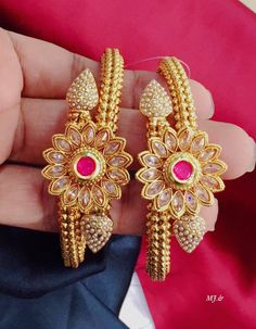 Beautiful kadas with flower design. Bangle studded with pink and white color beads. Gold Bangles Design, Gold Earrings Designs, Gold Jewellery Design, Jewellery Box, Hand Jewelry, Gems Jewelry, Diamond Jewelry, Bollywood Jewelry, Jewelry Patterns