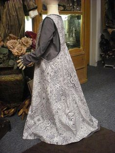 Girl's Medieval Gown and Sideless Surcoat - size 7/8. $69.00, via Etsy.