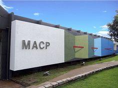 """Percurso"", 2014, látex sobre alvenaria, 248m2, látex sobre alvenaria, MACP- Museu de Arte e de Cultura Popular, Cuiabá, MT"