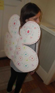 Make Fairy Wings - Fun & Fast Fun Craft for Girls - Great Preschool Activities - Make fairy wings 1. You can make fairy wings! Making fairy wings is easy. It is a great craft for girls. Get 1 big...