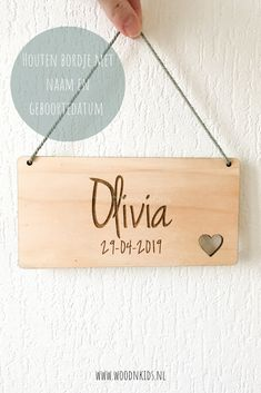 Wood Crafts, Diy And Crafts, Diy Projects To Make And Sell, Gravure Laser, Laser Cutter Projects, Baby Favors, Baby Art, Name Signs, Wall Hanger