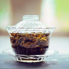 Glass gaiwan she are magical ❤️ • • • #tea #teatime #instatea #Gaiwan #tealife #ilovetea #teaaddict #tealover #tealovers #teagram #healthy #drink #hot #mug #teaoftheday #teacup #teastagram #teaholic #tealove #tealife #gongfu #gongfucha #oolong #puerh #greentea #vintage #yixing #nikon #photography #macro