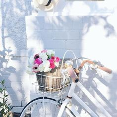 I love my white bike, I know it is old fashioned, but I can pick up posies, veggies and books and take them home in my bike basket. Bicycle Pictures, Giant Bikes, Bicycle Store, Ocean Wallpaper, Hawaiian Flowers, Cozy Cottage, Vintage Bicycles, White Aesthetic, Beach Cottages