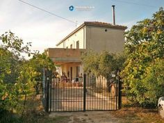 Habitable house with 500sqm of land. 3km from sea. £94k