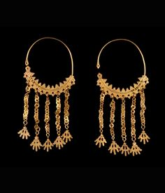Algeria - Aures Mountain region or Laghouat, Ghardaia | Pair of earrings from the Mozabite or Chaouïa women; gold | ca. late 19th to early 20th century
