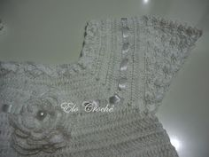Vestido em Crochê Infantil Branco   Este precioso vestidinho foi confeccionado para uma linda princesinha .   Confeccionado com fio Cléa ...