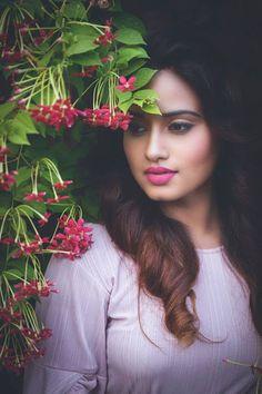 Telugu Actress Dimple Chopade New Stills HD