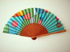 Hand fan Handpainted Silk- Abanico- Wedding gift- Giveaways- Bridesmaids- Spanish hand fan - 17 x 9 inches (43 cm x 23 cm) de gilbea en Etsy