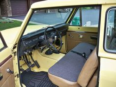 Front bench seat interior on this1980 International Scout II.