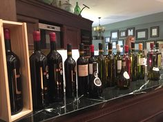 Vinous travellers on the Wine Roads of North Greece should not miss stopping by Stelios Kechris Domaine to try their award winning Retsina. Domaine Home, Red Wine, Greece, Alcoholic Drinks, Awards, Bottle, Glass, Greece Country, Drinkware