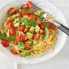 Avocado - Tomaten Nudeln. Avocado auch mal warm genießen! Sehr leecker!