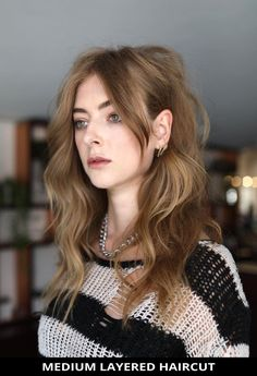 Try wearing this fashionable medium layered haircuts that's totally trending this year! Simply click here to see the 29 most impressive medium layered haircuts to boost your confidence. // Photo Credit: @hirohair on Instagram Latest Hairstyles, Hairstyles Haircuts, Pretty Hairstyles, Medium Length Hair Cuts With Layers, Medium Layered Haircuts, Photo Credit, Hair Styles, Festival Hair, Confidence