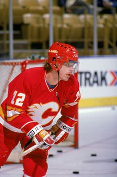Håkan Loob played for The Calgary Flames from 1983 to 1989. A great player, posting almost a point per game during his NHL career.