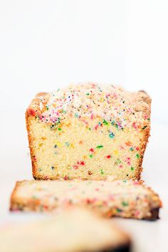 birthday cake bread with crumb topping - Well Floured Baking Recipes, Cake Recipes, Dessert Recipes, Bread Recipes, Lasagna Recipes, Carrot Recipes, Lentil Recipes, Top Recipes, Recipes Dinner