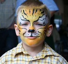 Along with wearing adorable Halloween costumes, this is the time of year for fun face paint. From cute kitties to scary monsters, doing your tot's face paint Costume Halloween, Fete Halloween, Halloween Make Up, Halloween Face, Halloween Treats, Halloween Decorations, Tiger Makeup, Face Makeup, Tiger Face Paints
