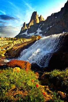 War bonnet Peak &Water falls ,wyoming