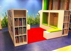 interieurinrichting basisschool - Google zoeken School Library Displays, School Library Design, Kids Library, Elementary Library, Classroom Design, Library Furniture, School Furniture, Steam School, Kids Church Rooms