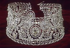 Diamond dog collar necklace owned by Bertha Honoré Palmer.