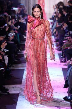 Ideas Fashion Runway Gowns Ellie Saab For 2019 Dresses For Teens, Trendy Dresses, Nice Dresses, Fashion Dresses, Red Fashion, Runway Fashion, Fashion Models, Fashion Designers, Classy Fashion